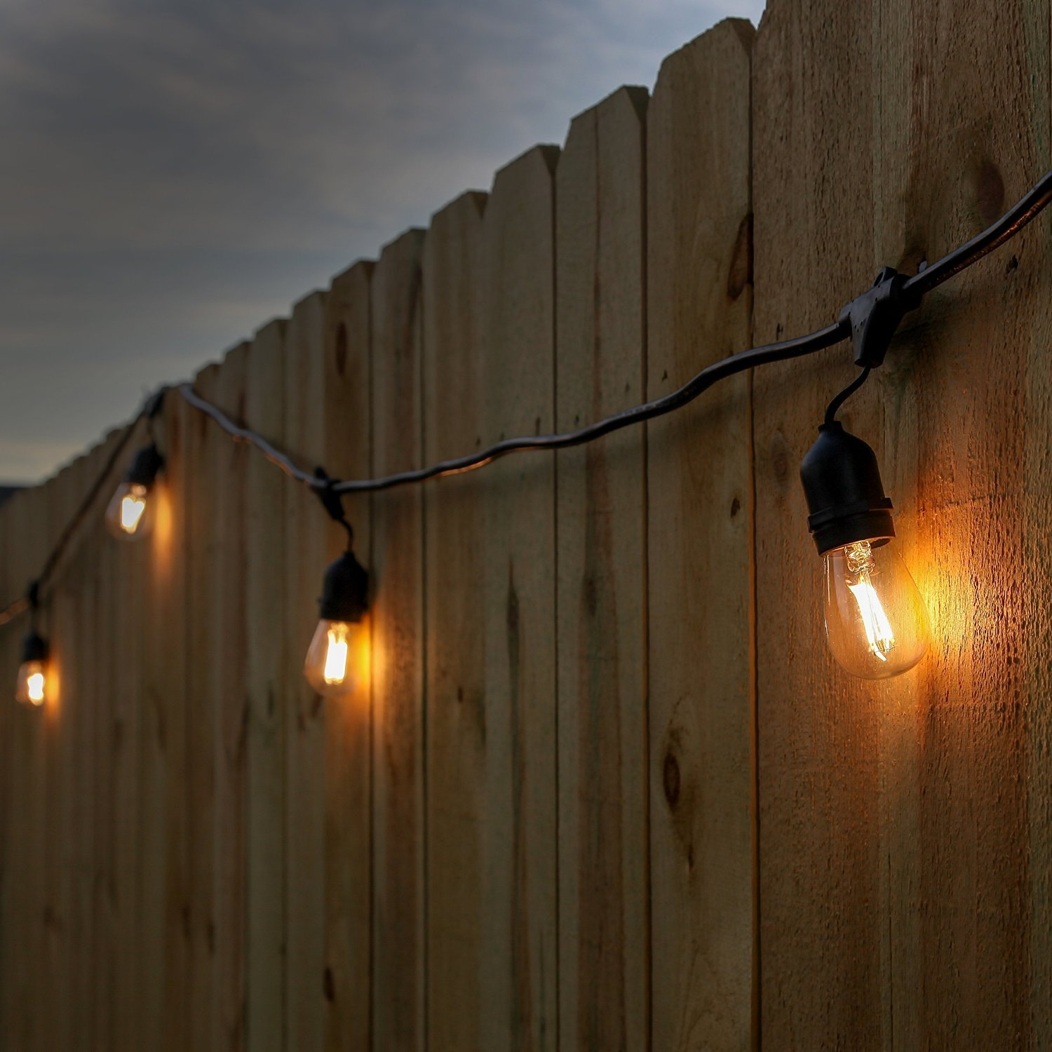 Newhouse Lighting 48-Foot Outdoor String Lights, LED Bulbs